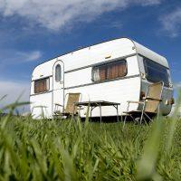 Vivre dans une caravane, une idée qui séduit les touristes pendant les vacances