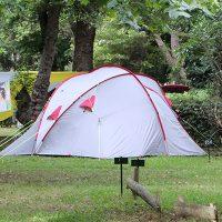 Camper dans l'île de beauté: une expérience unique
