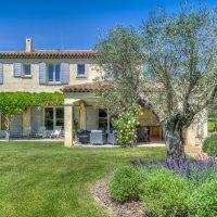 La location vacances avec piscine en Provence