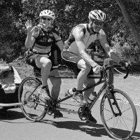 Pourquoi ne pas prendre un vélo tandem pour voyager en couple ?